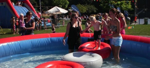 Zwembad huren zeskamp attractieverhuur timtom - Strand zwembad zonder grenzen ...